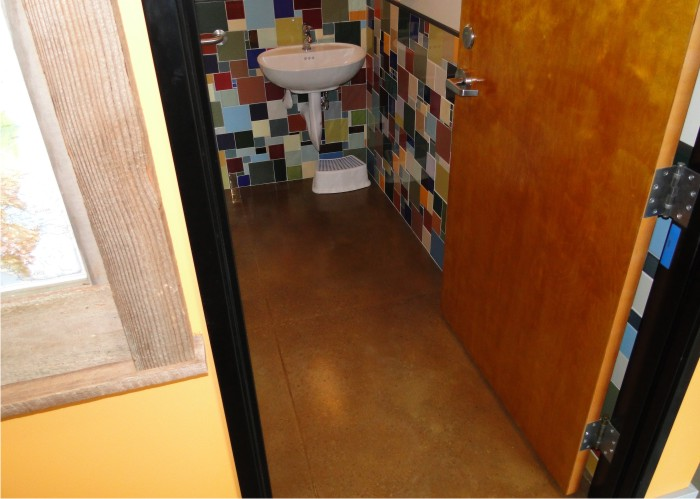 restroom-at-a-nw-restaurant